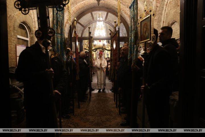 Пасхальное богослужение в Свято-Николаевском гарнизонном соборе